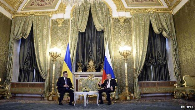 Russia's President Putin (right) met his Ukrainian counterpart Viktor Yanukovych at the Kremlin on Tuesday